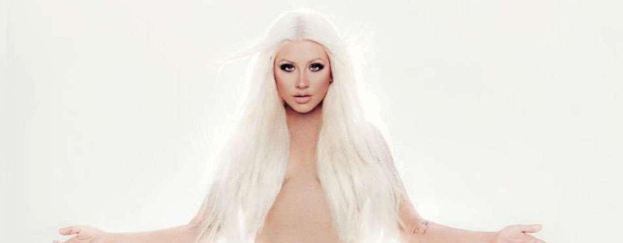 Ahora que Christina Aguilera optó por posar casi como Dios la trajo al mundo, en la portada de su próximo disco \