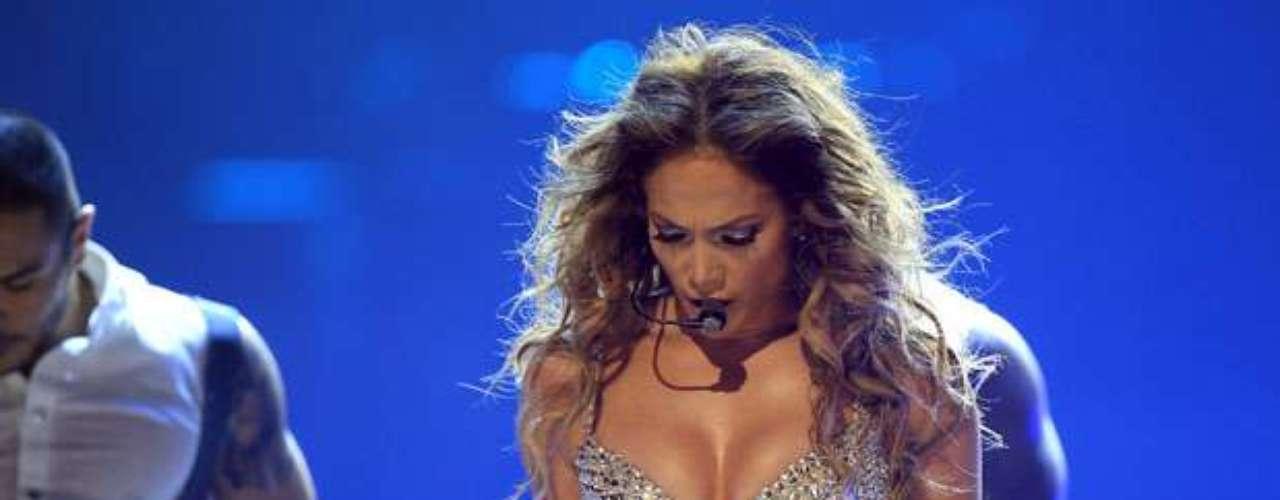 En la capital española, casi 18.000 personas presenciaron el majestuoso concierto de Jennifer López.