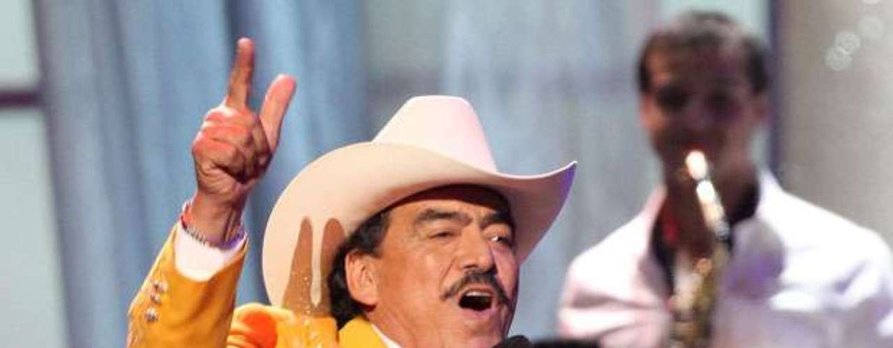 JOAN SEBASTIAN - The deaths of two sons of singer Joan Sebastian, started rumors that it was due to vendettas among cartels. It is also rumored that the 'Pacifico' cartel took revenge for Joan Sebastian's sons deaths because they are big admirers of his music.
