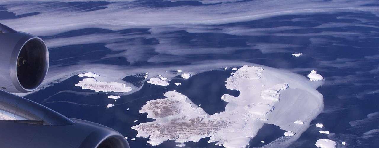 El hielo invernal en la Antártida ha crecido aproximadamente 1% en una década. Si eso parece poco es porque se trata de un promedio. Como el continente es tan grande, es un poco como poner juntas las temperaturas de California y del nordeste de Estados Unidos, dice Vaughan.