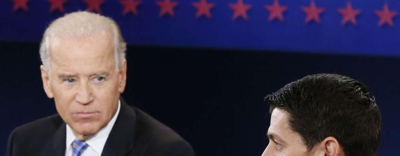Y las reacciones de Biden, ¿será que estaba aburrido con los comentarios del candidato republicano?