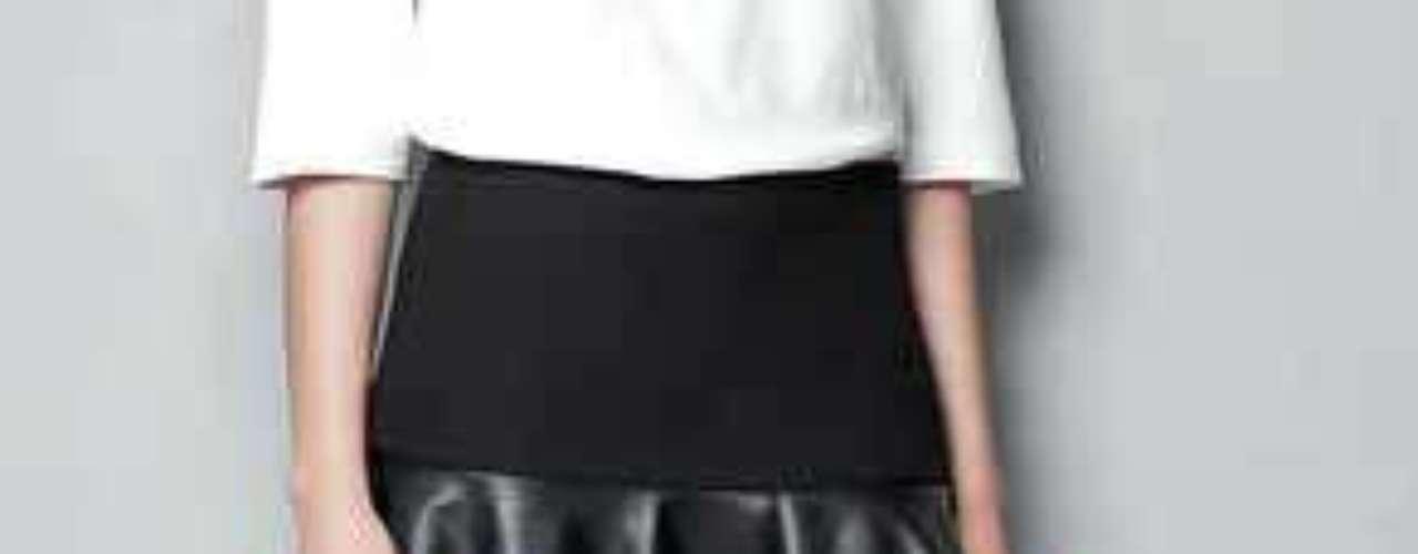 Otro de los factores en contra de esta prenda fue el hecho de pensar que era 'sólo para jovencitas'. De hecho, en un principio solamente eran modeladas por maniquíes de máximo 20 años de edad.