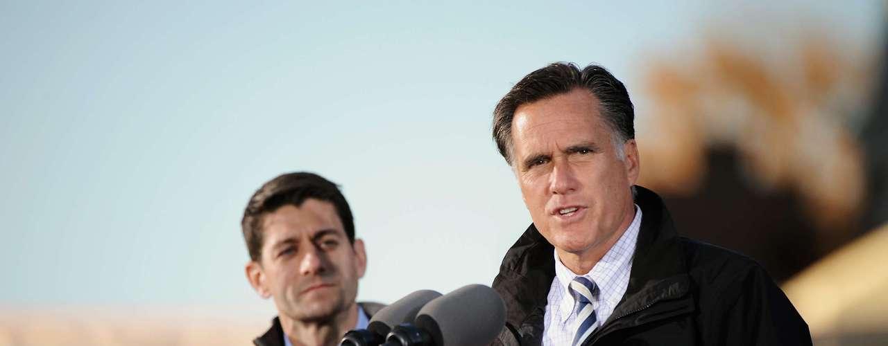 Obama acusa a Romney de que si es presidente, le quitará el derecho a las parejas gay de adoptar bebés. Esto no es verdad ya que Romney, quien se opone a las bodas gay, apoya la adopción de bebés por parte de parejas homosexuales.