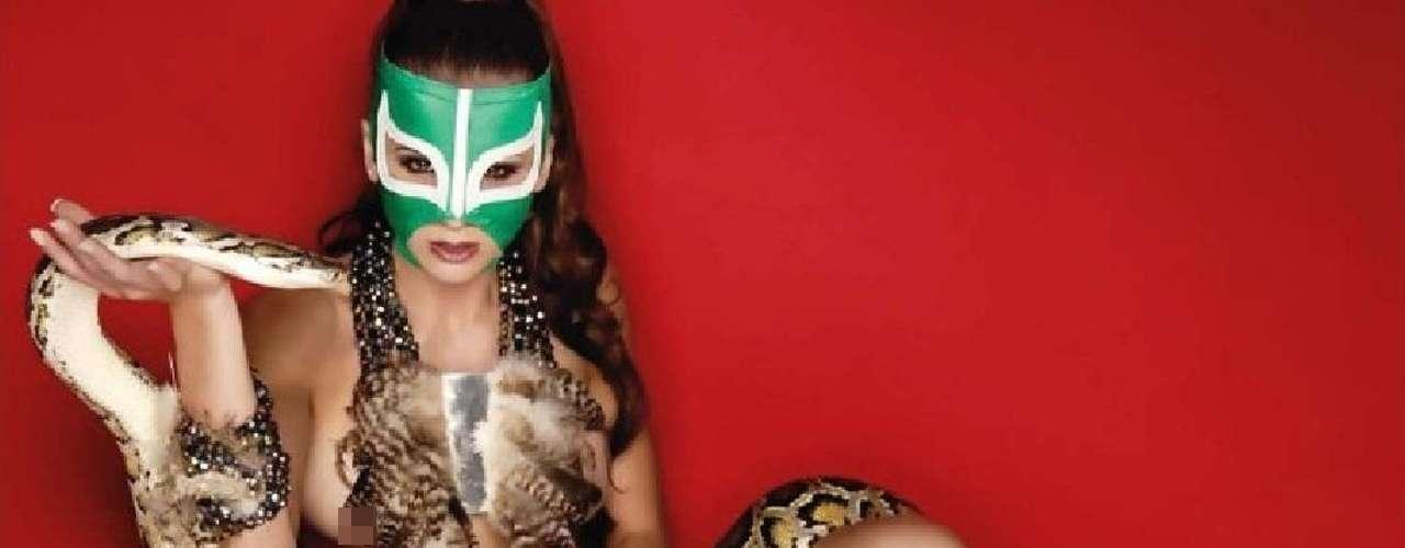 La modelo conocida como La Reata, es una exuberante mujer enmascarada que actualmente acompaña al payaso en las emisiones de 'El Mañanero de Brozo'. La identidad de la modelo es un misterio, pero no sus curvas, que ya aparecieron en la portada y páginas centrales de la revista Playboy México.