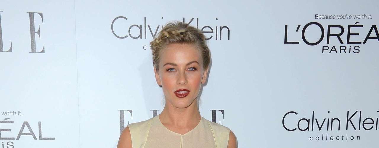 Ryan Seacrest's partner, Julianne Hough, showed off some cleavage in a Calvin Klein dress.