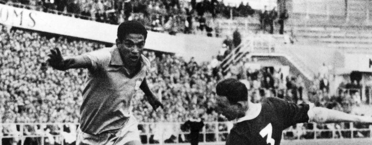 One of the classic bad boys of Brazilian soccer, Garrincha died due to his alcoholism of cirrhosis of the liver in 1983. He faced many problems due to his drinking, including a car crash that killed his mother in law. He had various affairs that resulted in him allegedly fathering at least 14 children.