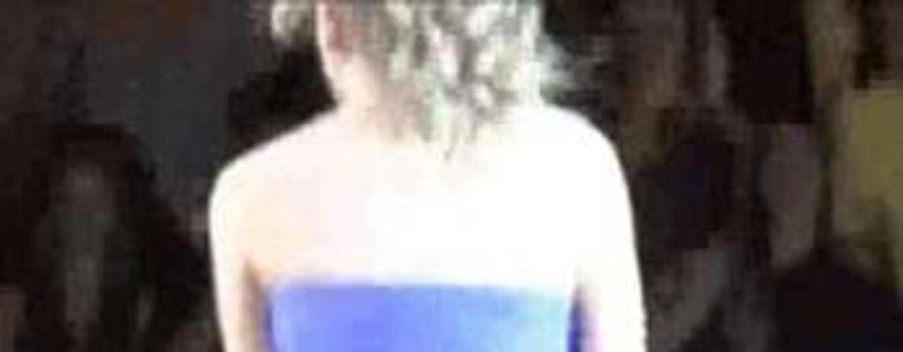 Taylor Swift no la pasó nada bien, en uno de sus conciertos en San Luis, pues una corriente de aire le levantó la falda quedando su parte baja a la vista del público.