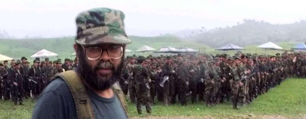 Uno de los golpes más recientes a las FARC fue cuando cayó su jefe, Alfonso Cano, en un operativo el 4 de noviembre de 2011. El operativo militar fue registrado en el departamento del Cauca. Y se logró tras dos años de interceptaciones y estrategia militar. Murió tras recibir tres tiros de fusil. Los balazos impactaron a Cano en el lado derecho del cuello, en la ingle y en la cadera. Cano se había convertido en el máximo líder tras la muerte de Manuel Marulanda, alias \