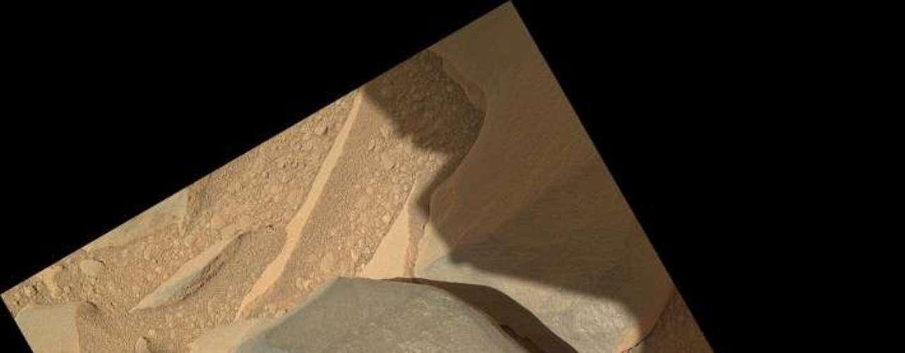 `Curiosity` seguirá con la misión que tenía programada, la de recoger muestras del suelo marciano, pero ahora el objetivo es distinto. Los científicos se centrarán en determinar qué es ese material brillante y de donde procede, si está formado de algún elemento habitual en todo el planeta o si fue arrastrado por el viento desde otro punto.