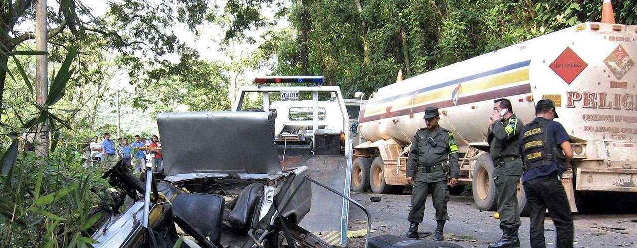 Las Fuerzas Armadas Revolucionarias de Colombia se autoproclaman un grupo marxista-leninista.  Desde su formación en 1964 se han convertido en el enemigo del gobierno colombiano con operaciones no solo en el país sudamericano, sino también en las regiones fronterizas de Brasil, Ecuador, Panamá, Perú y Venezuela.