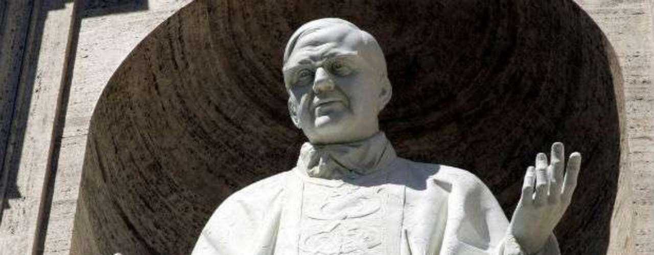 Entre las canonizaciones que han generado más polémica en el catolicismo está la del sacerdote San Josemaría Escrivá de Balaguer, líder fundador del Opus Dei, una de las organizaciones más poderosas de la Iglesia. Su elevación a los altares en 2002 fue motivo de controversia, porque lo acusaban de \