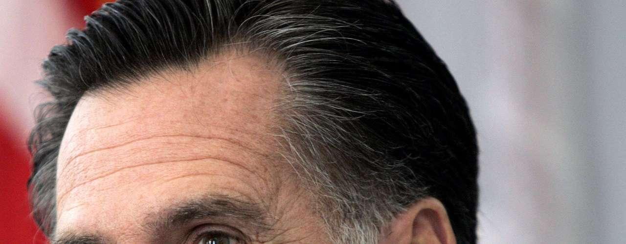 Por otra parte, de llegar a la presidencia, Romney se convertiría en el primer presidente mormón en la historia del país, algo que hace algunos años podría haber supuesto un obstáculo mayor para el exgobernador de Massachusetts, pero que hoy ha pasado a un segundo plano. La campaña de Romney no trata mucho el mormonismo del candidato.
