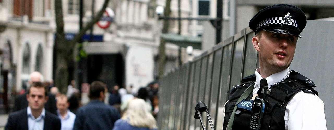 En total, la policía abrió más de 400 líneas de investigación sobre la base de cerca de 200 testimonios que acusan de abusos al que fue durante varias décadas una de las caras más conocidas de la televisión pública del Reino Unido.