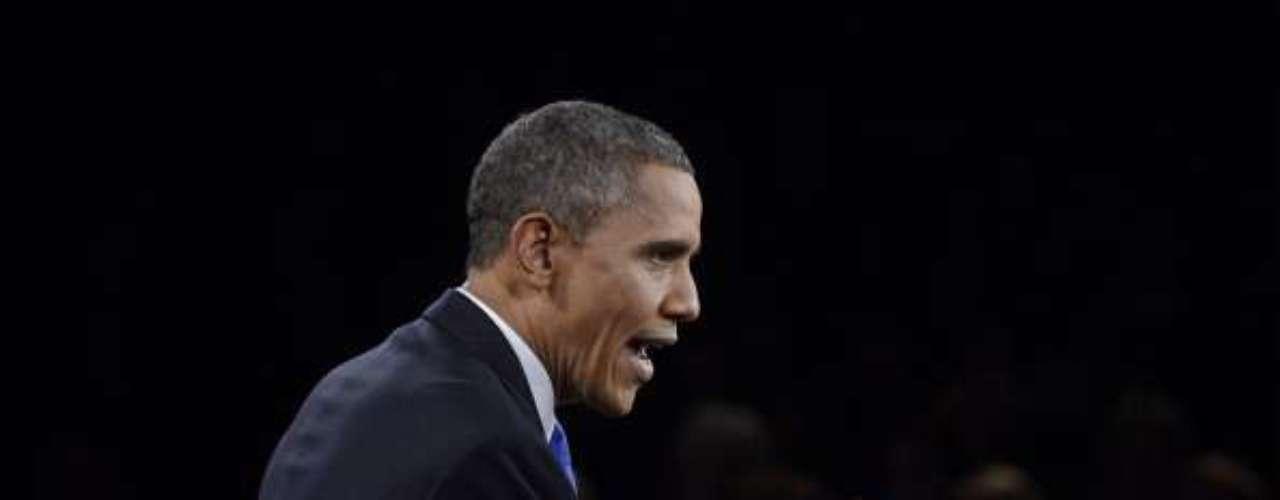 Obama, en cambio, dijo que la guerra es 'el último recurso'. Sobre la guerra en Afganistán, Romney dijo que las tropas estarían de regreso en 2014.