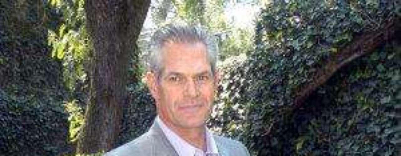Él es un actor bastante recurrente en las producciones de TV Azteca. Otras de sus novelas han sido \
