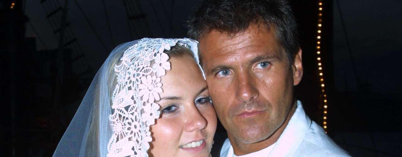 Michelle Vieth y Héctor Soberón se casaron en el 2002, y se divorciaron con todo y videoescándalo sexual de por medio.