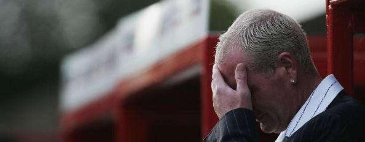 Gascoigne lloró como pocoas la partida de Sir Bobby Robson, su mentor y quien lo recomendó al Newcastle.