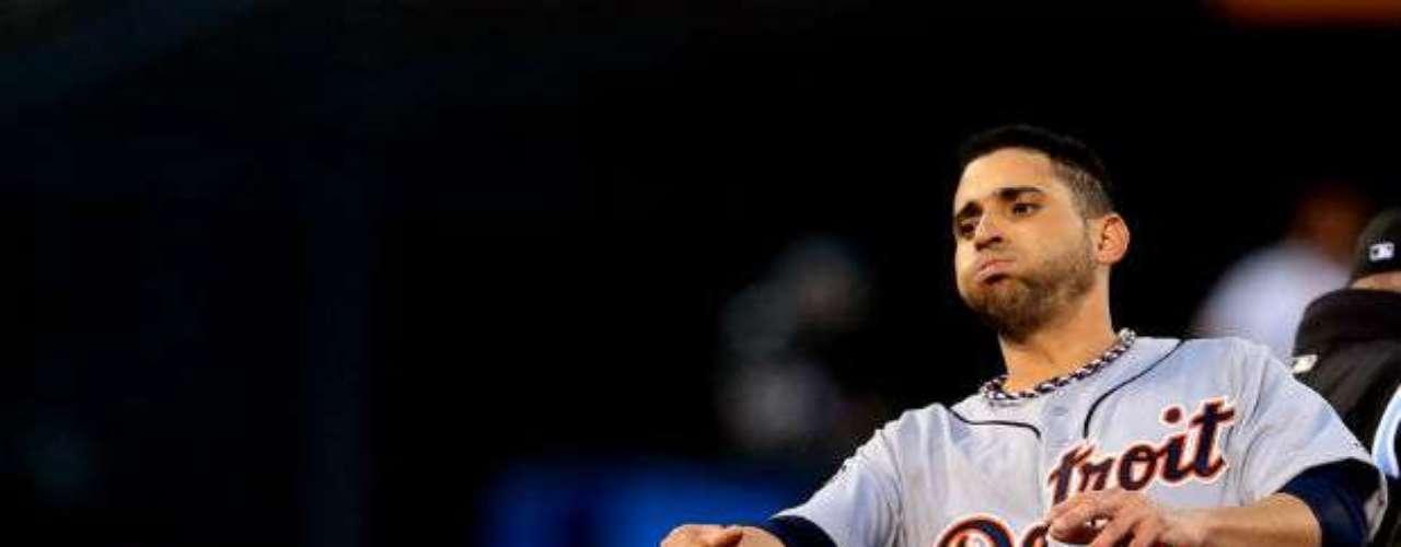 Omar Infante, tras un intento de robo de base, fue sorprendido por la defensiva de Giants. Es clara la molestia del jugador felino.