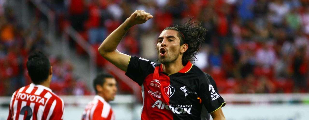 La tendencia en los Chivas-Atlas había cambiado ypara el Clausura 2012el Rebaño ligócinco partidos sin vencer a los Rojinegros,luego de caer 1-0 ante los Zorrosen el estadio Omnilife,con gol de cabeza de Flavio Santos.
