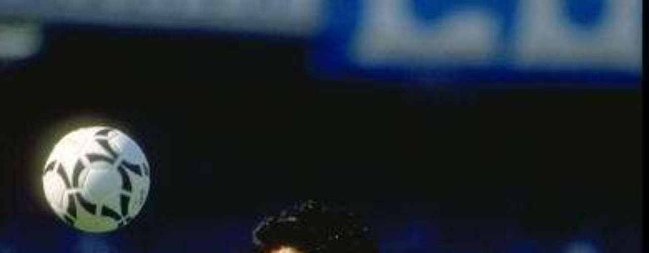 La mejor época de Maradona fue en Italia, donde llevó a la cumbre al humilde Napoli.