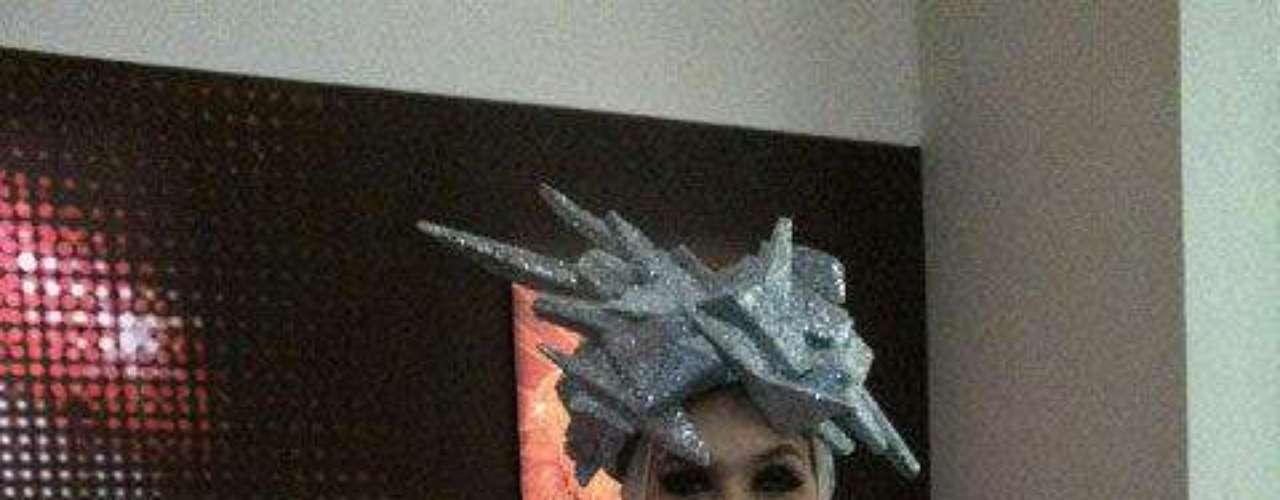 Mónica Rodríguez, presentadora de Día a Día, se disfrazó de Lady Gaga.