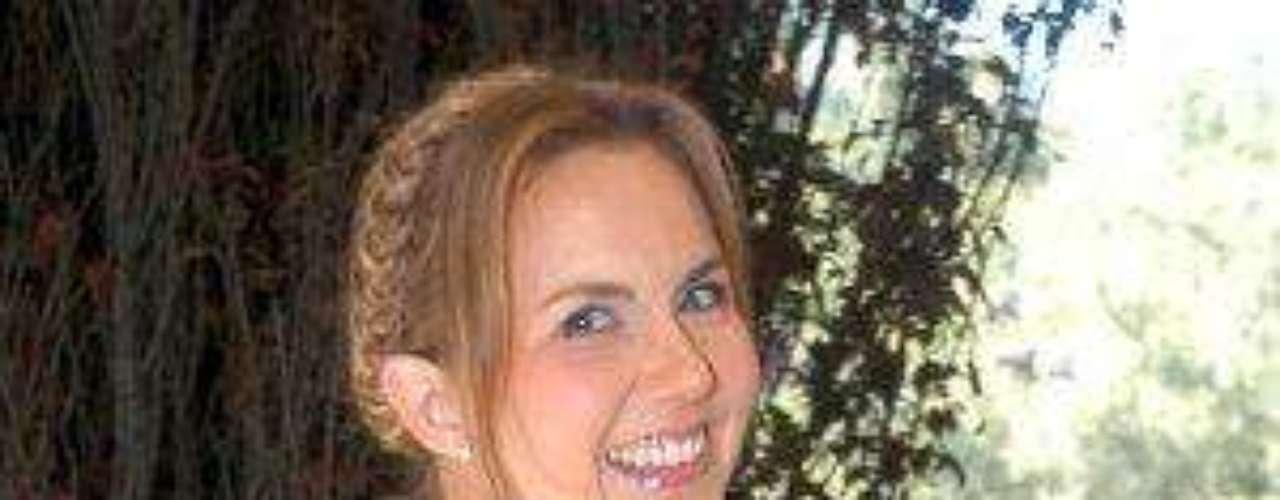 En su debut en telenovelas de TV Azteca Michelle Vieth fue escogida para ser la antagonista de la telenovela \