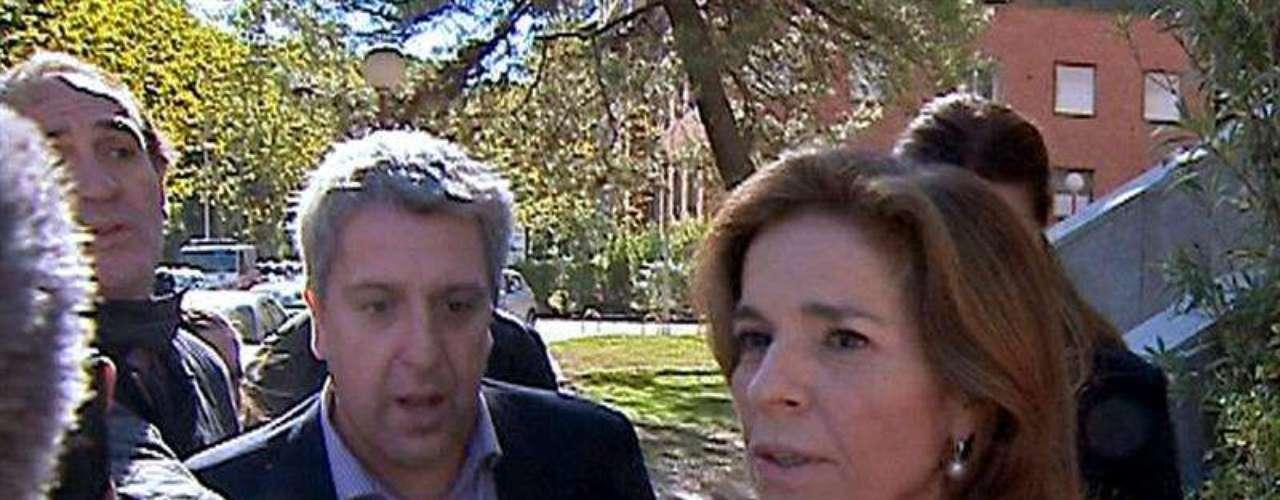 La alcaldesa de Madrid se ha desplazado al Instituto Anatómico forense tras conocer lo ocurrido