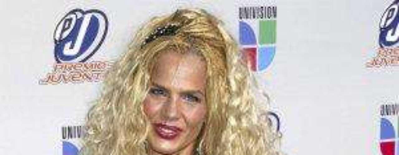 'La Mujer Escándalo' o 'La Emperadora' nació el 25 de noviembre de 1967 y es una de las pocas vedette's que se desarrollan en los medios artísticos en hispanoamérica.Estrellas de novela que cumplen años en SeptiembreEstrellas latinas que cumplen años en octubreEstrellas de novela que triunfan en Hollywood
