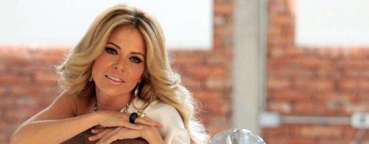 Gloria Trevi vivió en el escándalo, tal vez ahora ya es un caso poco recordado. En 1997, uno de los momentos de mayor éxito de su carrera, Gloria y Sergio Andrade fueron acusados de abusar sexualmente de menores de edad. La cantante fue detenida en enero de 2000 en Río de Janeiro, Brasil, donde estuvo tres años en prisión sin ser juzgada. Luego, la intérprete dio a luz a Ángel Gabriel, su hijo concebido en prisión, fue extraditada a México y juzgada: la declararon inocente de los delitos de violación agravada, rapto y corrupción de menores. 'La Trevi' fue liberada el 21 de septiembre de 2004, sin revelar el paradero de su difunta hija Ana Dalai.