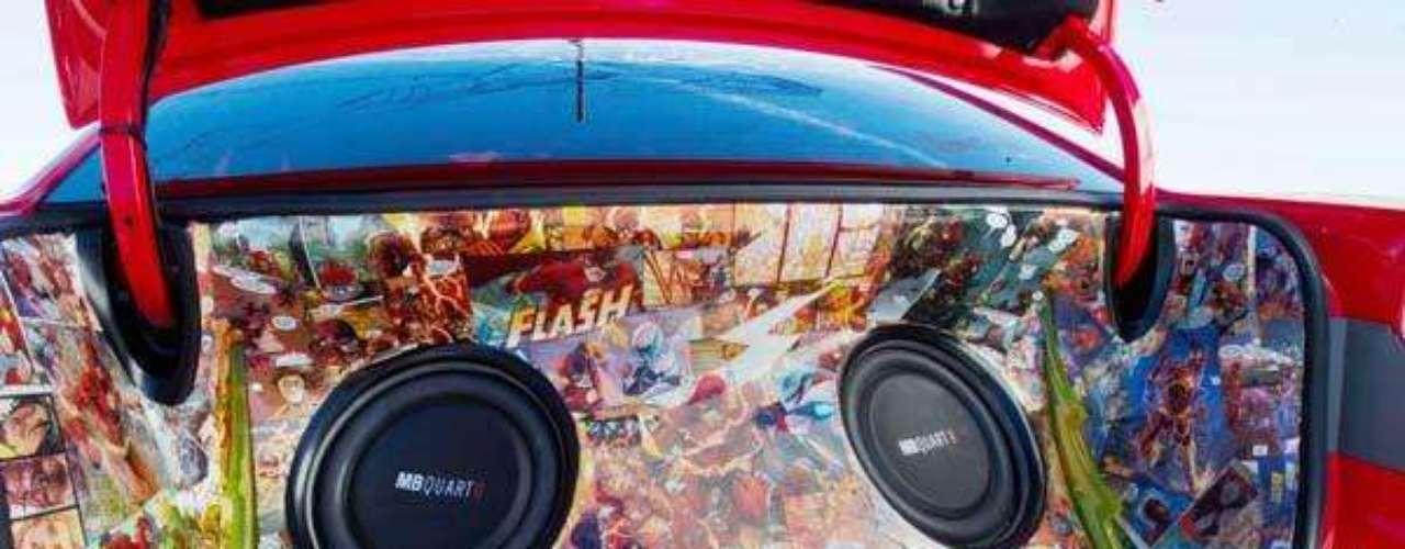 Fotos KIA Forte Koup The Flash inspired