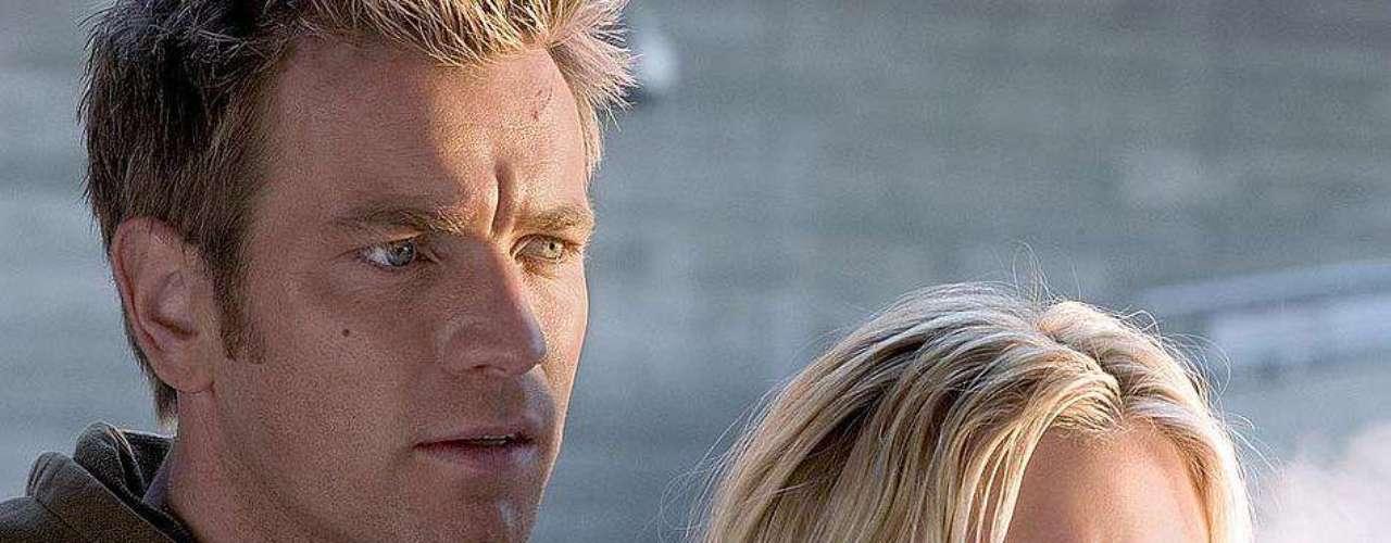 Scarlett es Jordan 2 Delta, el clon de una famosa actriz que está apunto de morir. En su escape, se inicia en la acción y el sexo junto a su mejor amigo Lincoln 6 Echo.