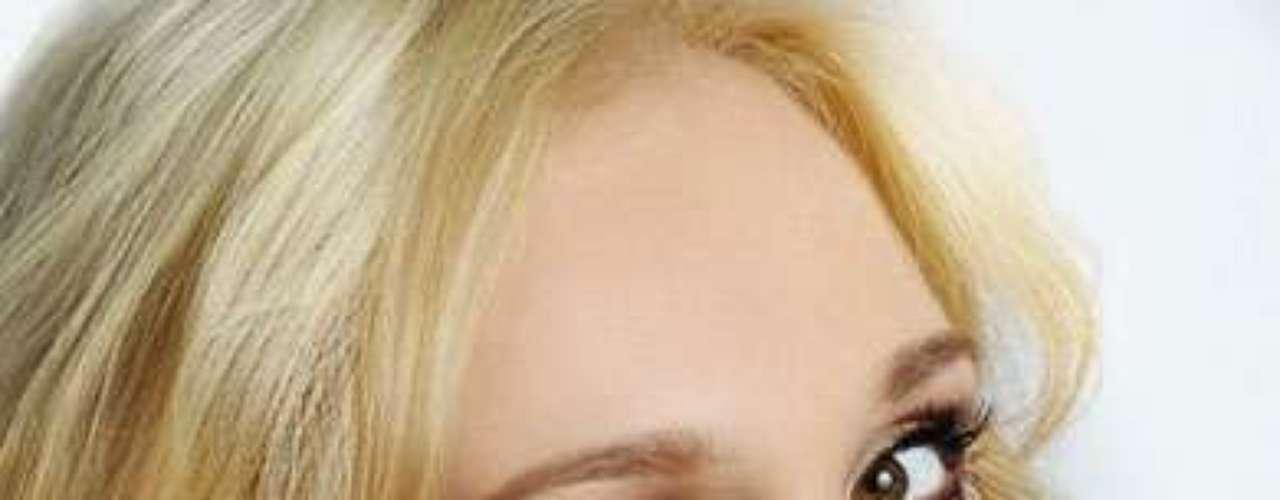 Miss Crimea - Liudmyla Kuzmina. Tiene 24 años de edad y su estatura es de 1.78 metros.