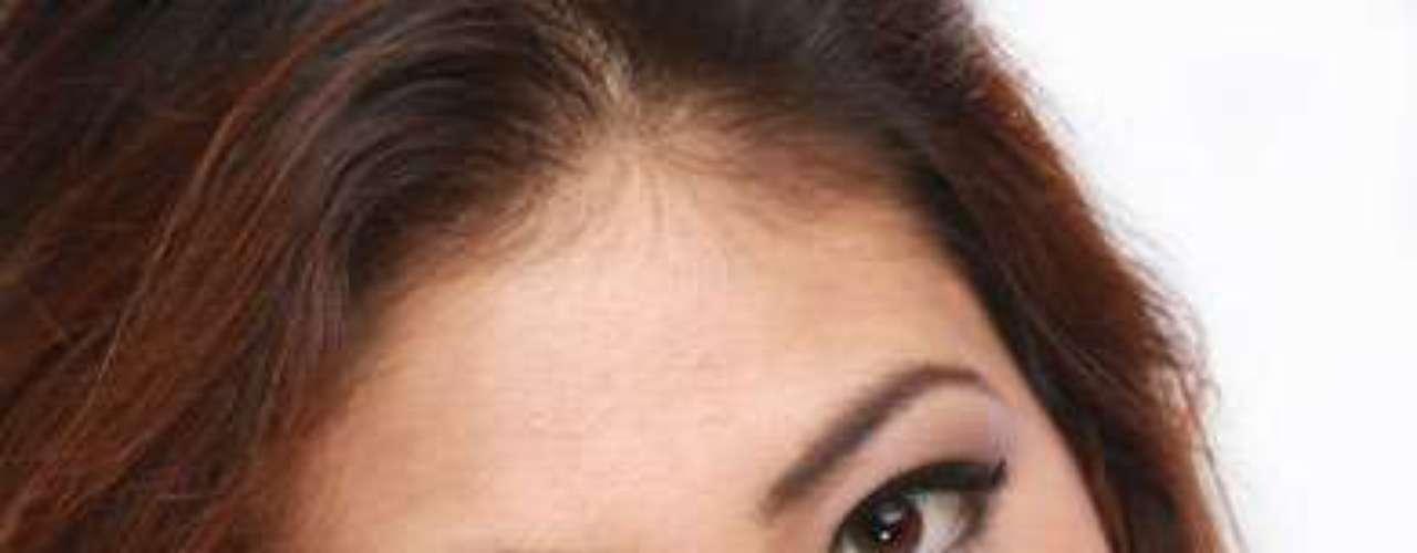 Miss Nepal -Nagma Shrestha. Tiene 20 años de edad y su estatura es de 1.78 metros.