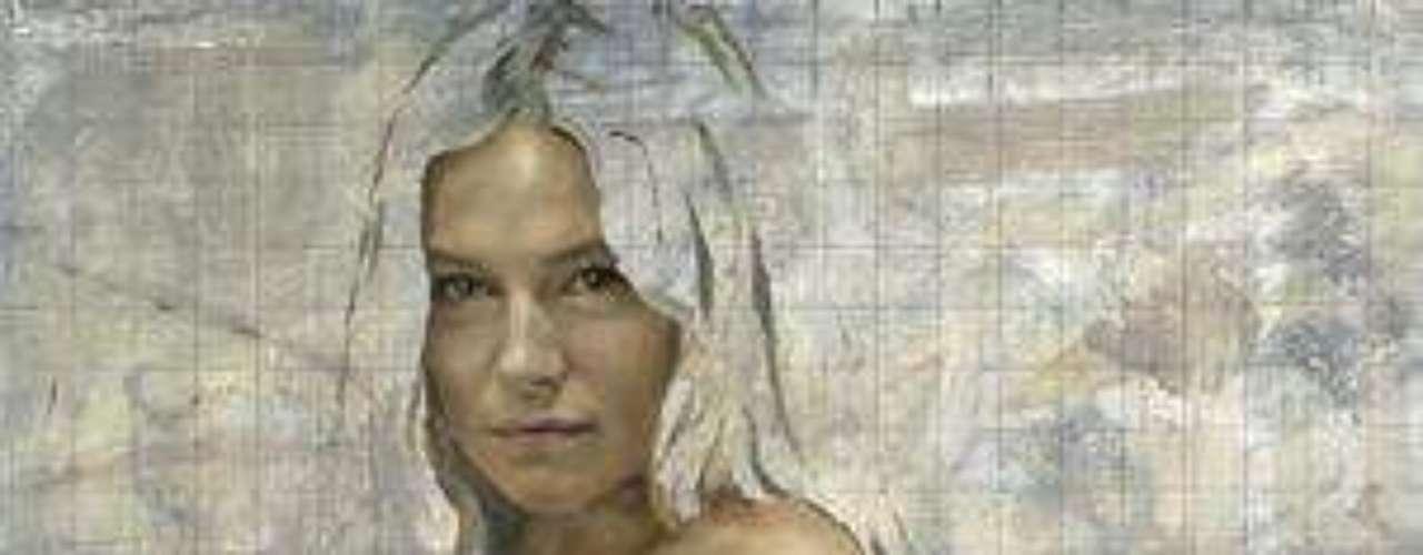 Sienna Miller se convirtió en madre en Julio del 2012, cuando dio a luz a una niña a la que llamó Marlowe Ottolin. Ahora, una foto de la actriz embarazada y desnuda sale a la luz.Miller decidió posar desnuda pocas semanas antes del nacimiento de su bebé para un retrato hecho por el artista Jonathan Yeo.