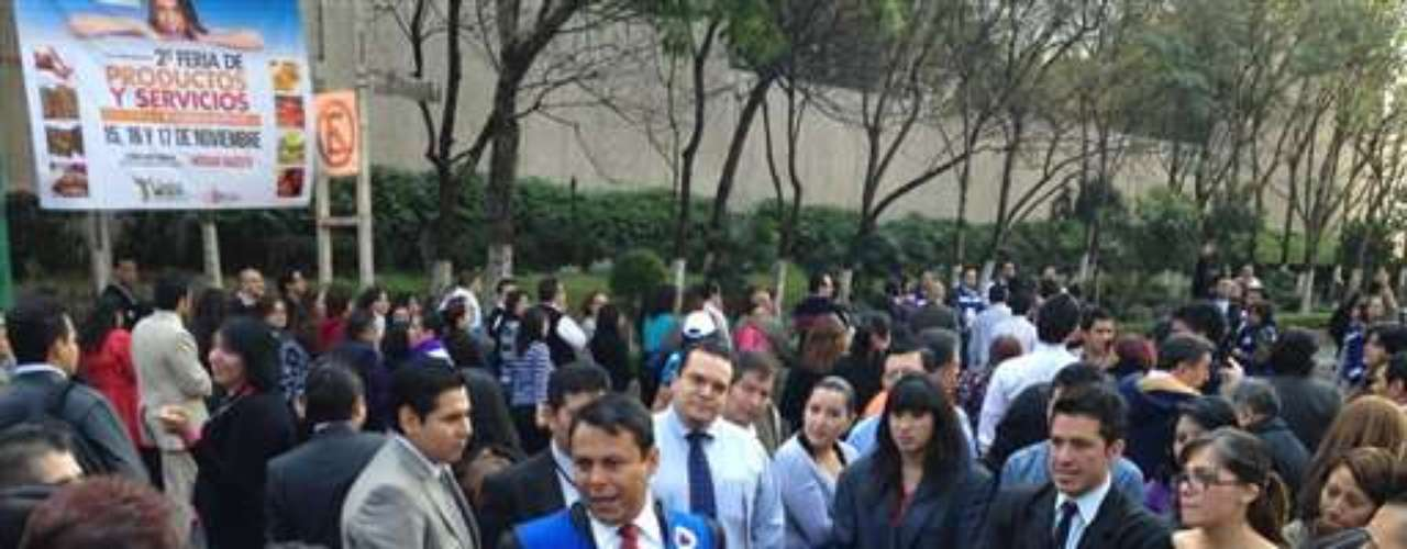 Authorities inform the masses after the earthquake hit Guatemala.