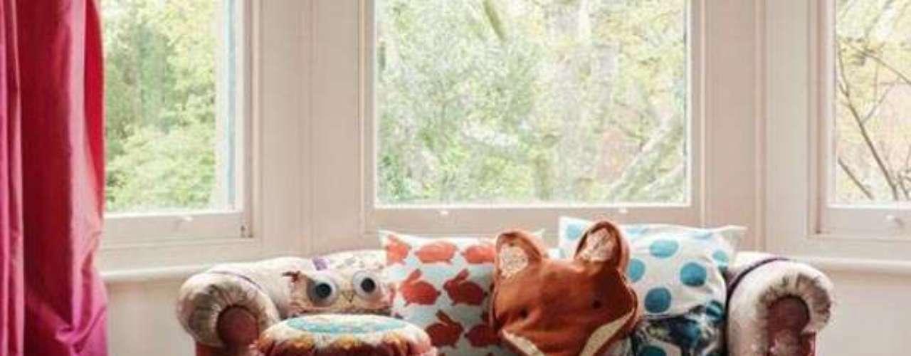 Puffs, almohadones en todos los tamaños en tonos vibrantes para componer salones creará ambientes inolvidables, cómodos y muy divertidos