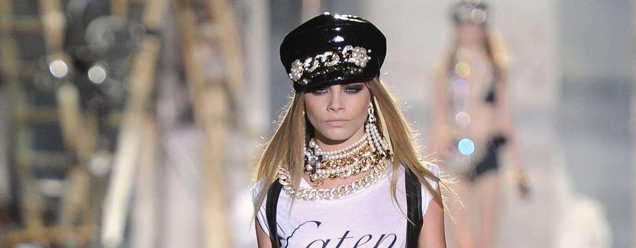 La belleza y actitud de esta rubia ha hecho que el mundo de la moda la bautice como la nueva Kate Moss de las pasarelas. ¿Será?