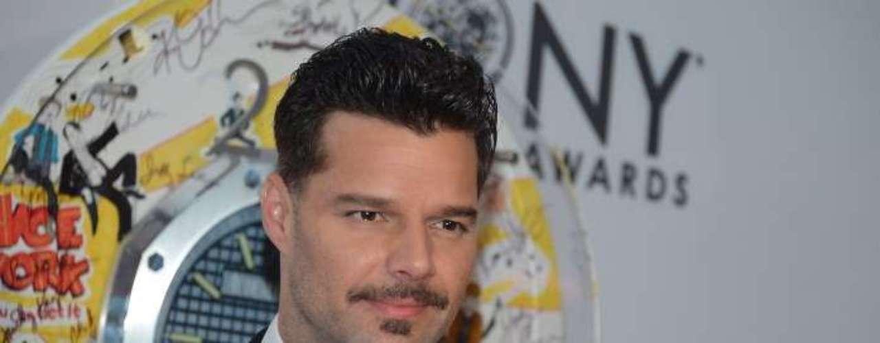 Y las estrellas también se hicieron sentir. Ricky Martin describió la noche de los comicios como una gran noche.\