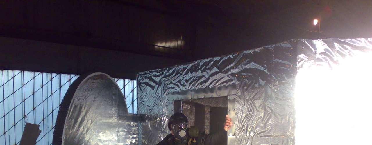 La Cápsula del Día del Juicio Final fue construída por Yevgueni Ubiyko, un ingeniero militar ruso. Según el experto este refugio no puede ser destruido y tiene un nivel elevado de aislamiento. Ubiyko ofrece 40 días de supervivencia en su cápsula que ya recomendó al gobierno de su país. Pero este ruso ha pensado en todo, ya que si no se acaba el mundo usará su cápsula como un exclusivo spa.