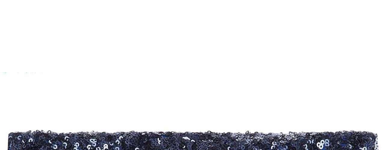 Cluch azul de lentejuelas capar de realzar cualquier diseño clásico a  $ 55.00