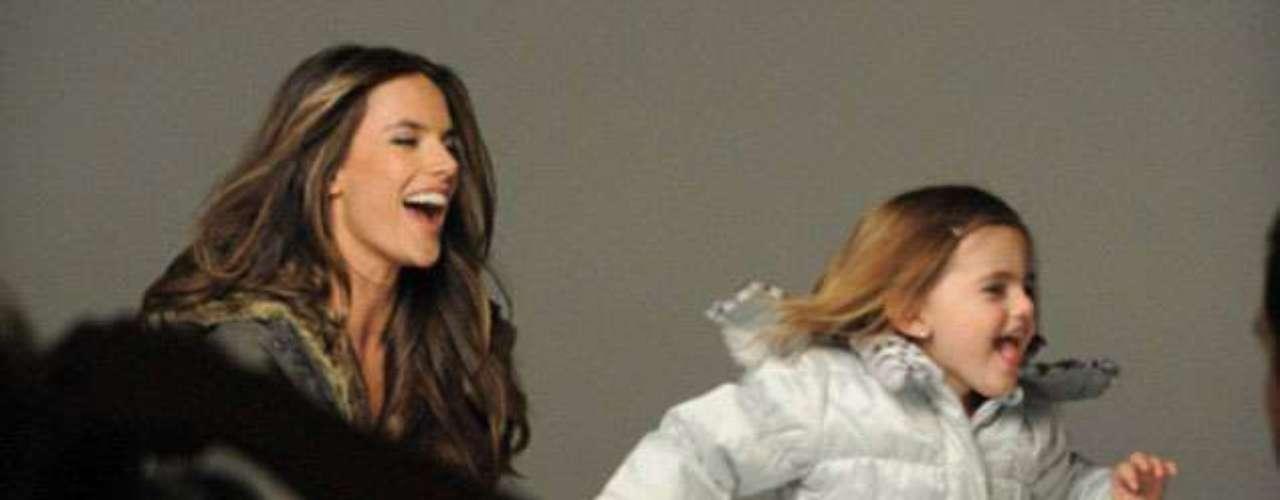 Kiss me quick: En la campaña de London Fog es  la primera vez que la pareja aparece junta en un anuncio de EE.UU.