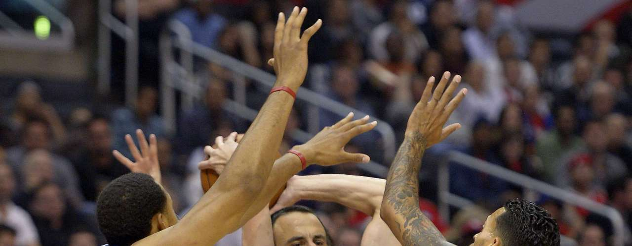 Los Clippers derrotaron a los Spurs por 106-84.