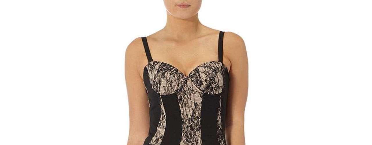 Muy sensual y sofisticada te verás con este vestido de encaje nude a $ 89,00