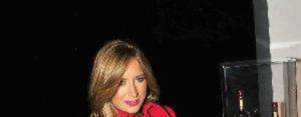 Y la pareja no se preocupó por esconder que se gustaba. Fotos de ellos iban y venían en las revistas de farándula pues comenzaron a asistir a cuanto evento público había. Desde allí pensábamos que hacían una pareja maravillosa.Síguenos en:  Facebook -  TwitterAmores de telenovela, convertidos en realidadZoo Novelero: Artistas que son unos ¡animales!¿Triste realidad? Las estrellas sin maquillaje