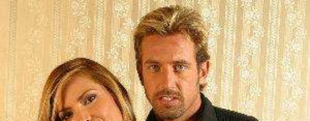 Incluso en una entrevista concedida cuando Gabriel y Geraldine habían organizado un hogar y la actriz estaba en avanzado estado de embarazo, él aseguró a una revista que nunca podría olvidar a esa mujer. Duro para Geraldine, ¿o no?Síguenos en:  Facebook -  TwitterAmores de telenovela, convertidos en realidadZoo Novelero: Artistas que son unos ¡animales!¿Triste realidad? Las estrellas sin maquillaje