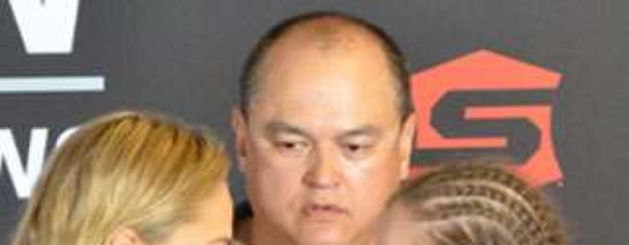 Rousey defendió su título de Strikeforce contra Sarah Kaufman el 18 de agosto de 2012 en San Diego, California, y previo a la pelea declaró que iba a arrancar el brazo de Kaufman con una llave. Y aunque no le arrancó el brazo, Rousey despachó en tan sólo 54 segundos a Kaufman para retener el Campeonato de Peso Gallo.