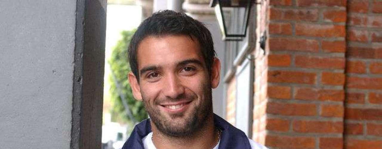Cauteruccio descendió con Quilmes a la Primera B, pero fue parte importante para regresar al club a la máxima categoría siendo el máximo goleador del equipo y haciendo dos en el partido que los ascendió