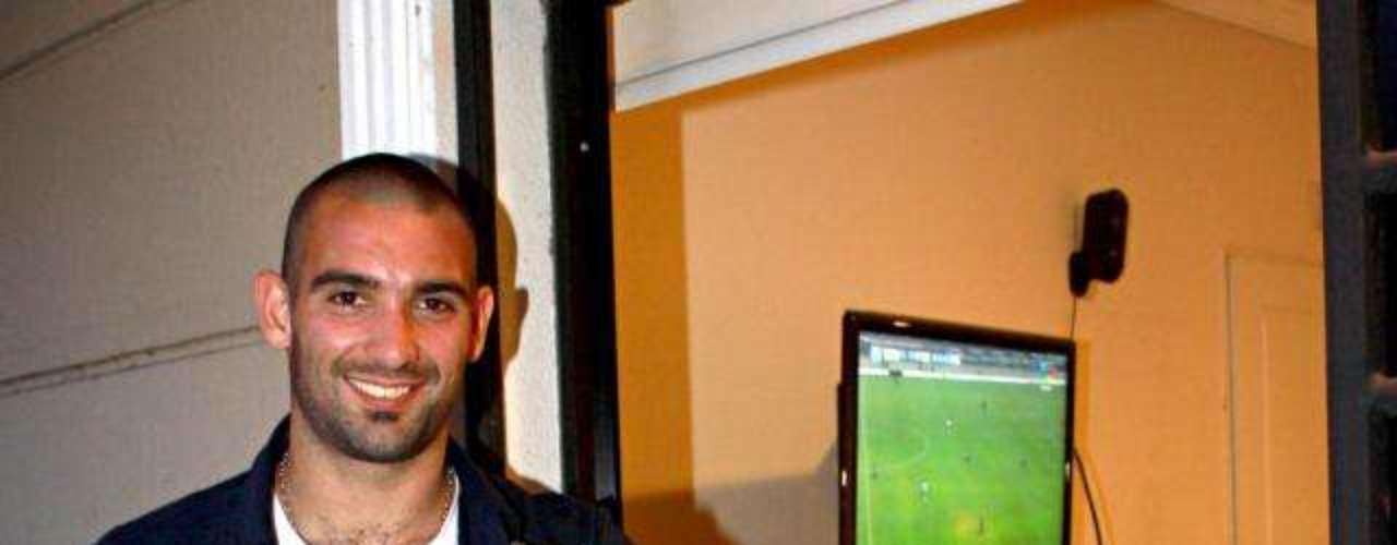 En la temporada 2007-08 Nacional mandó a Cauteruccio a préstamo con el club Central Español