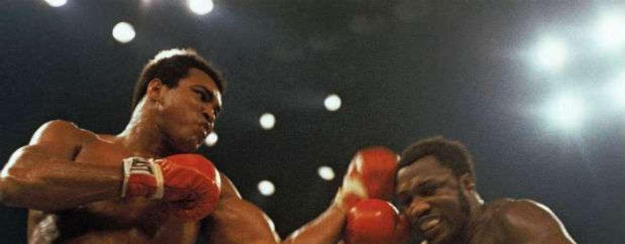 Alí no podía quedarse de brazos cruzados y por eso vino la revancha el 28 de enero de 1974. El 'Más Grande' derrotó por decisión unánime a Frazier para poner pareja 1-1 la rivalidad entre ambos.