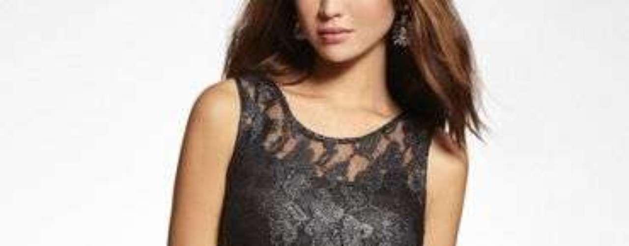 Un vestido que transforma tu noche. 88 dólares en express.com.